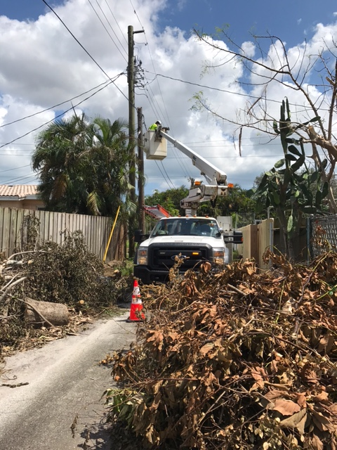 Comcast Technicians from Chicago Area help Restore Service in Florida after Hurricane Irma