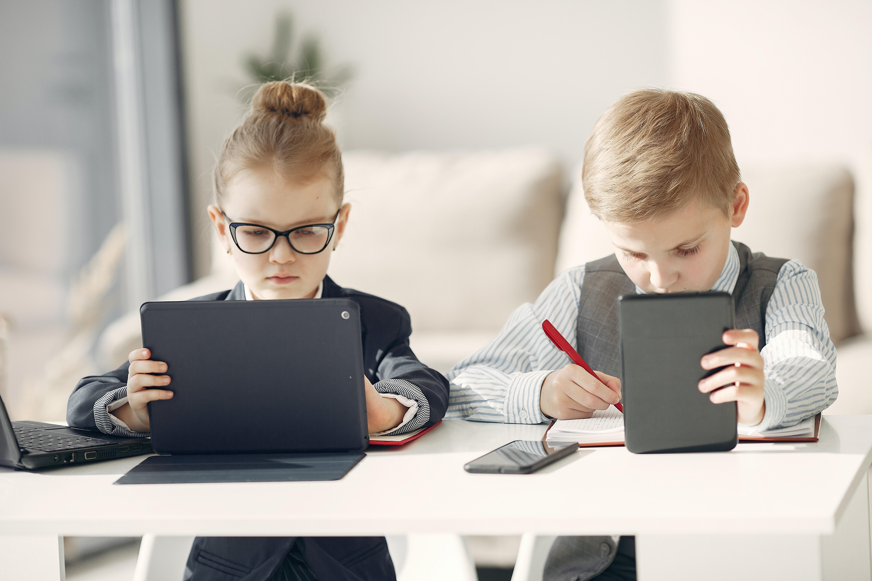 【動画】お子さまのiOSデバイスでウイルスバスター モバイルを利用する方法 -インストール-